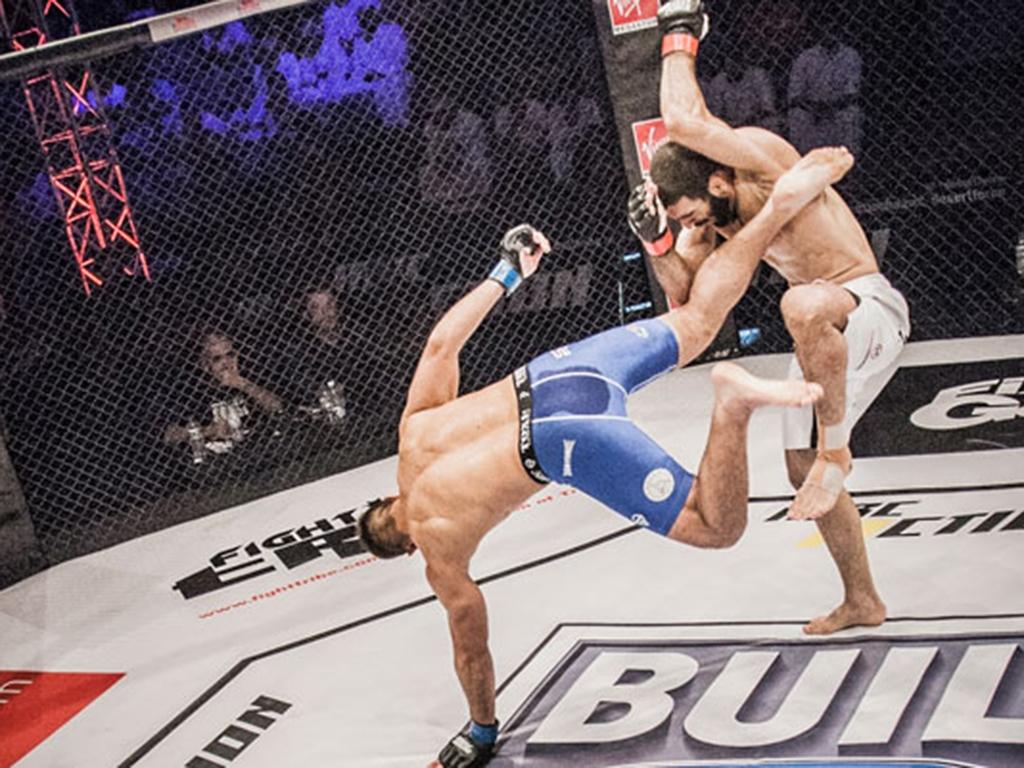 مقاتلان مغربيان وتونسي يتنافسون في ليلة