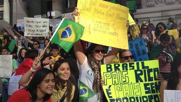 مظاهرات البرازيل تطالب بإلغاء كأس العالم تحت شعار