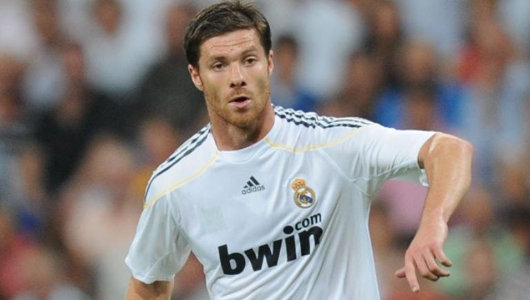ألونسو يجدد عقده مع  الريال مدريد لعامين اضافيين