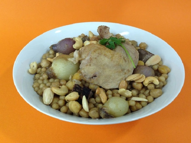 إليكِ من الأطباق التقليدية مغربية الدجاج والكمون والكراوية