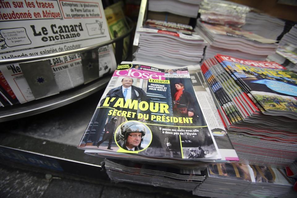 الرئيس الفرنسي فرنسوا هولاند : انهيت حياتي المشتركة مع فاليري