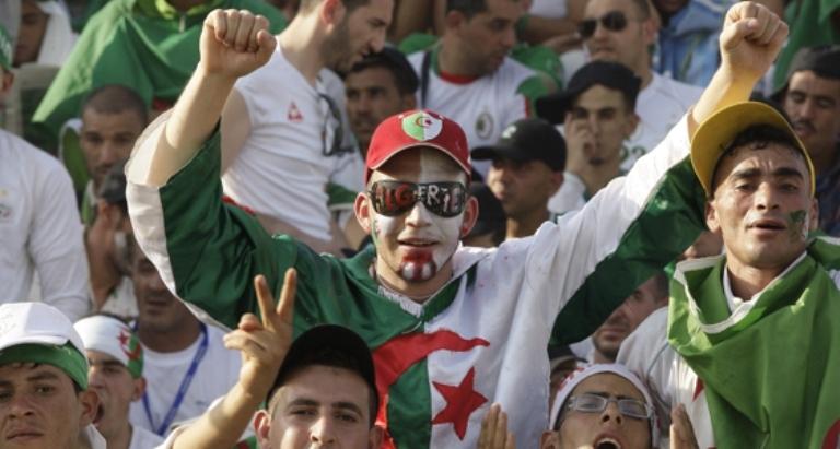 6 آلاف دولار  لنقل كل جزائري راغب في مناصرة الخضر بالبرازيل