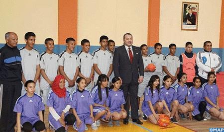 الملك محمد السادس يعطي انطلاقة عدة مشاريع اجتماعية بمراكش