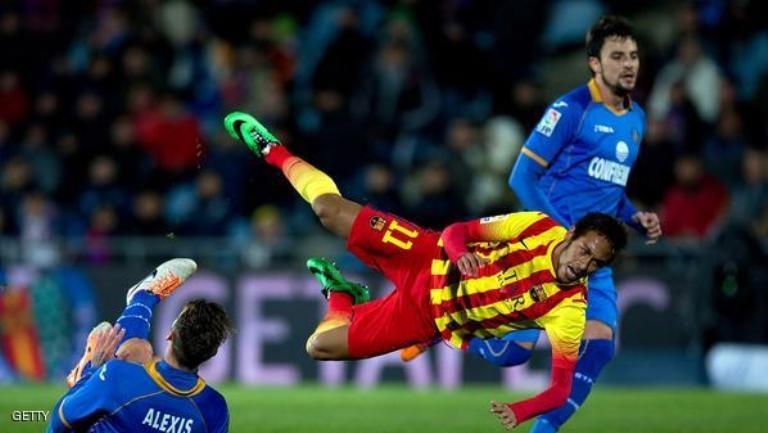 الاصابة تبعد نيمار عن برشلونة ثلاث أسابيع