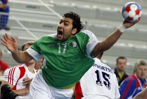 الجزائر تسحق منتخب أنغولا في بطولة افريقيا لكرة اليد