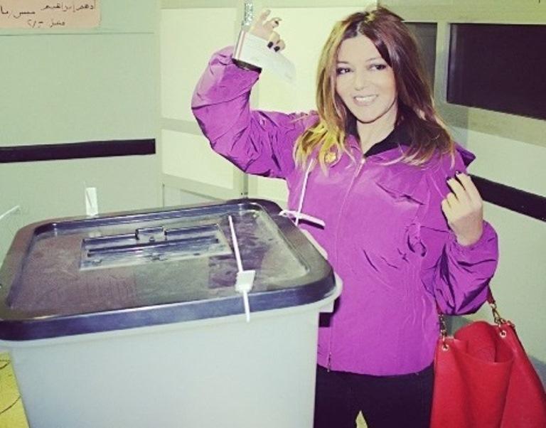 سميرة سعيد تصوت بـ