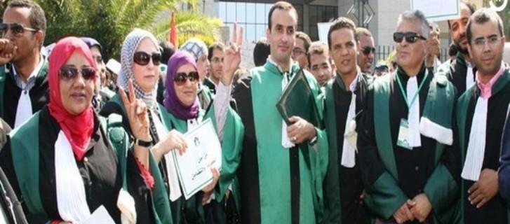 التظاهر  بالبذلة يقسم قضاة المغرب