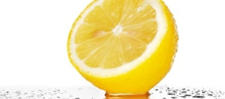 وصفة مذهلة بالليمون الحامض لإزالة السموم