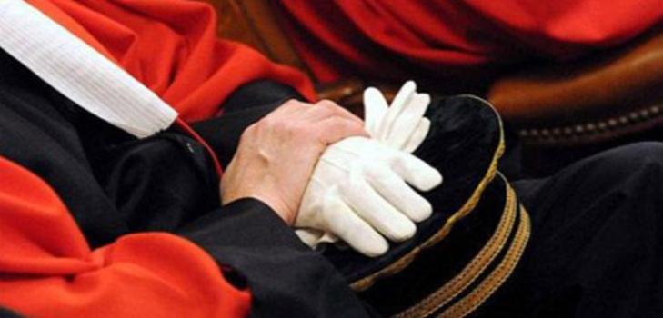 وزير العدل التونسي يتدخل للمصالحة بين المحامين والقضاة