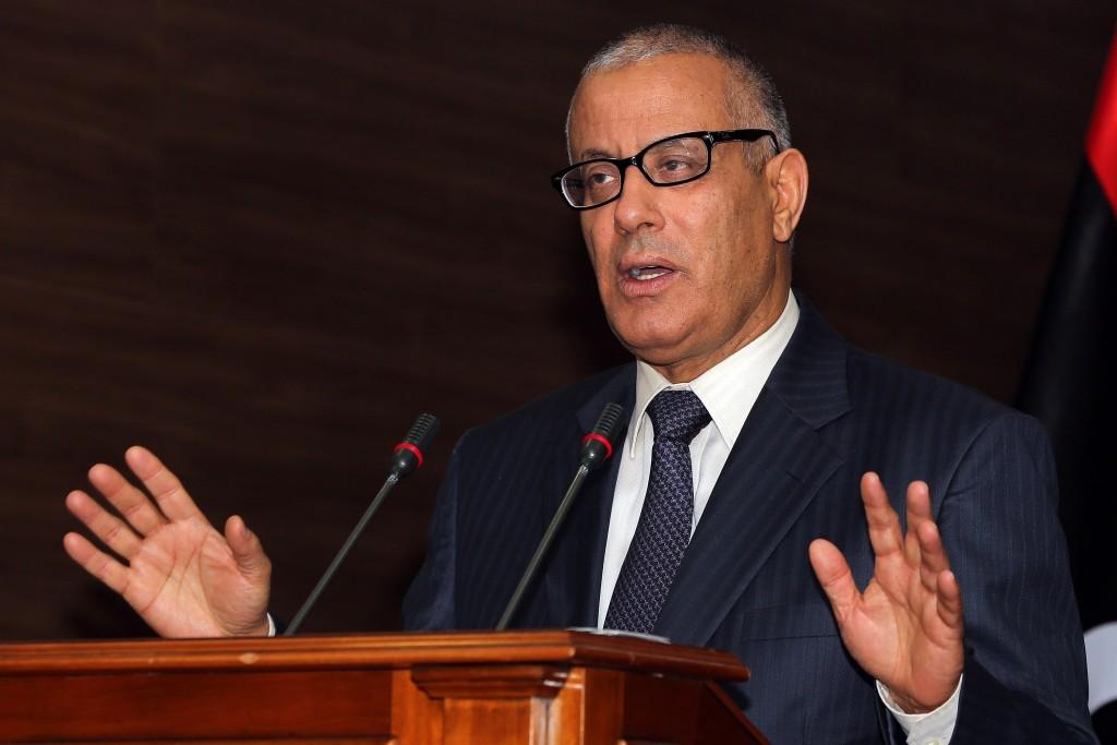 زيدان ينفي وجود انقلاب في ليبيا بعد أنباء عن تحرك عسكري ضد الحكومة