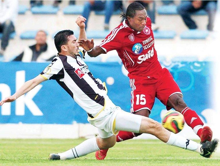 المغربي بنعطية في التشكيلة المثالية الأفضل في الدوريات الأوروبية
