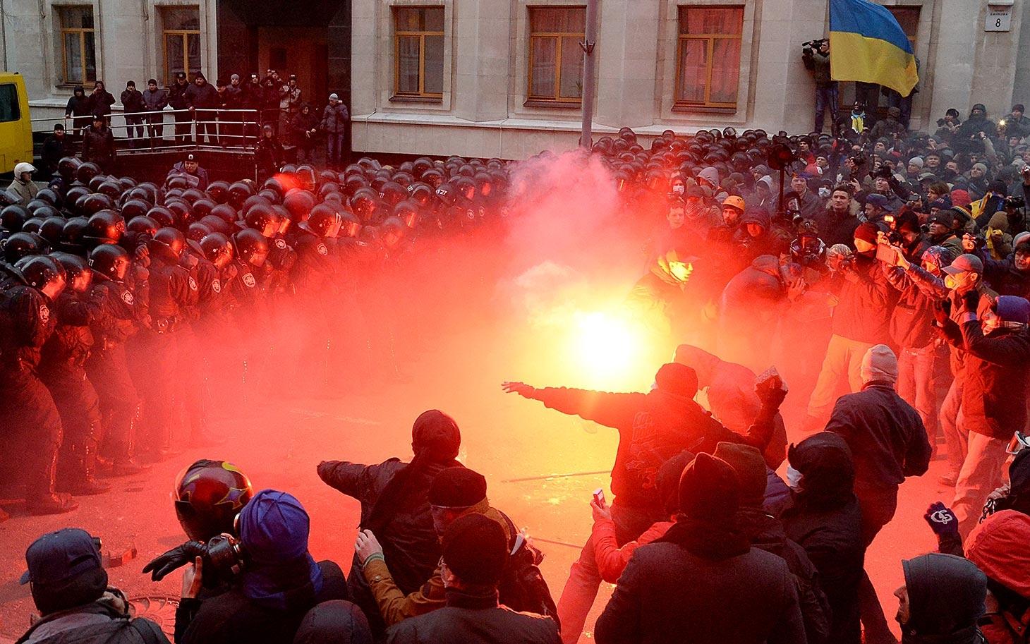 ليبيا تحذر رعاياها بأوكرانيا وتطالبهم بالابتعاد عن أماكن المظاهرات