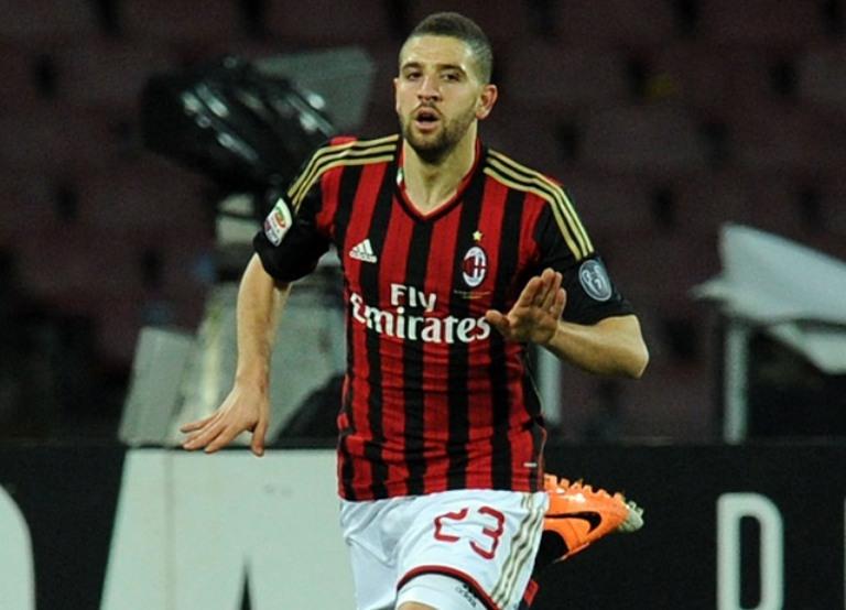 تاعرابت يلعب أساسي في ميلان ويتألق رفقة باللوتيلي