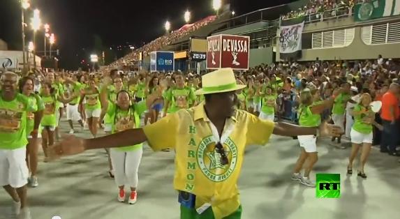 الاستعدادات للاحتفال بمهرجان السامبا بالبرازيل