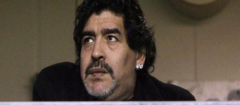 مارادونا ينفي تهمة التهرب الضريبي ويطلب حرية السفر لايطاليا