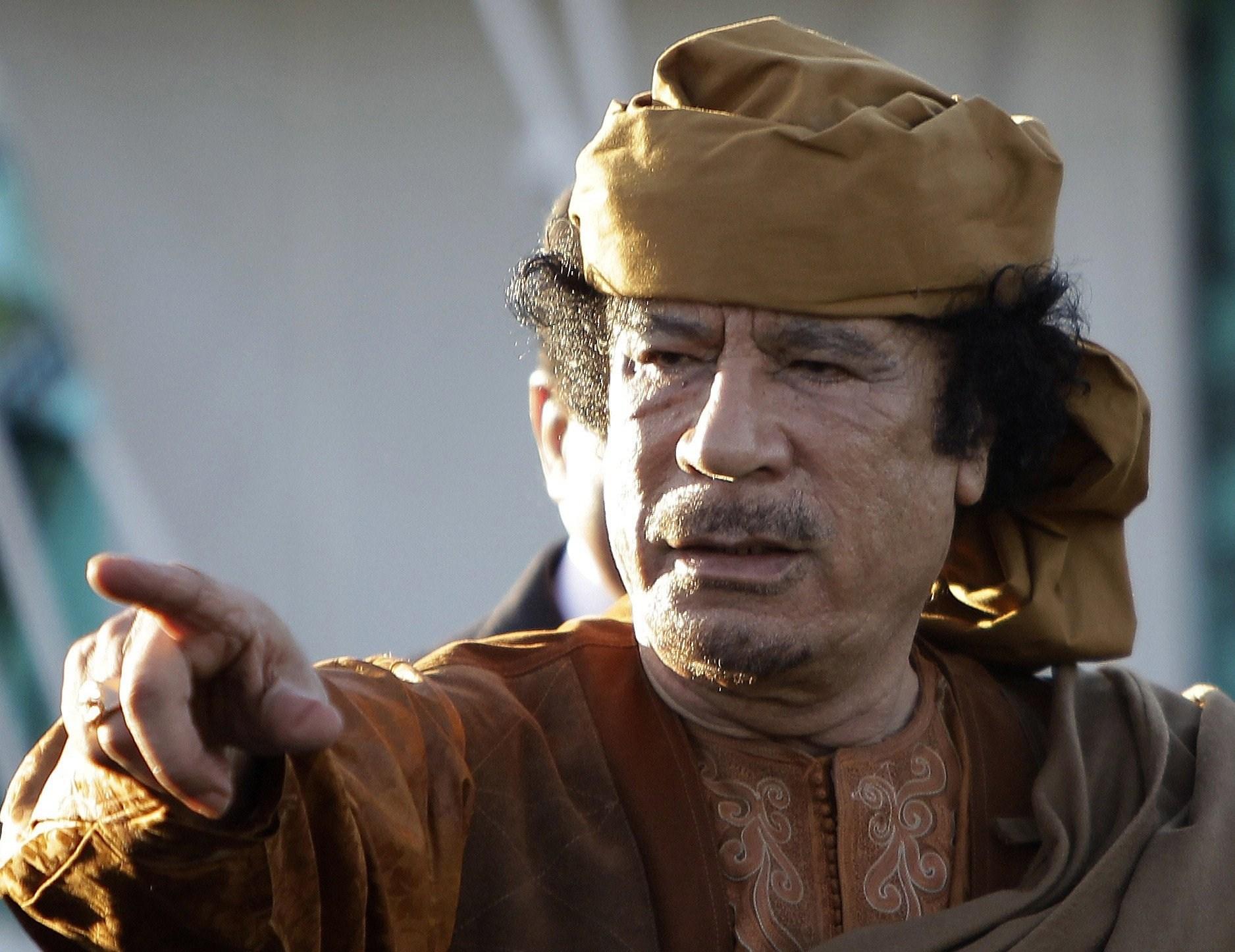 وثائقي بريطاني يدعي إضاءة جوانب خفية في حياة معمر القذافي