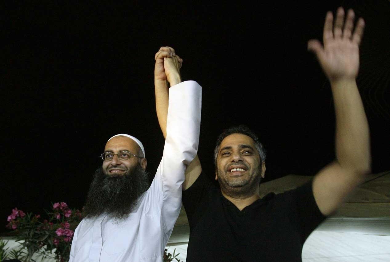 فضل شاكر وشيخه أحمد الأسير مهددان بعقوبة الإعدام من قبل القضاء اللبناني
