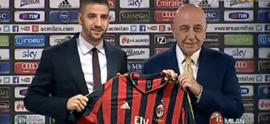 تاعرابت لاعب ميلان يعتبر نفسه باللوتيلي المغرب