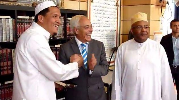 السفير الاسرائيلي في ضيافة رجل الاعمال طارق بن عمار وحسان الشلغومي
