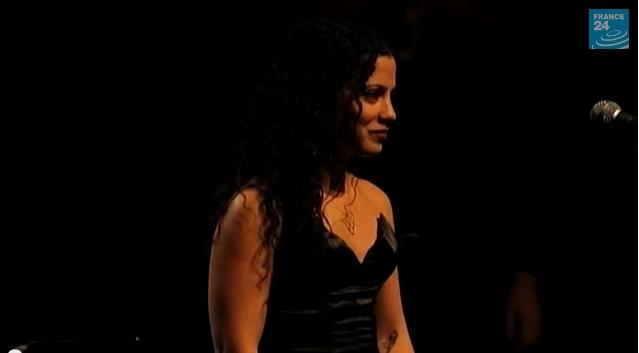 رحلة موسيقية مع الفنانة التونسية آمال المثلوثي