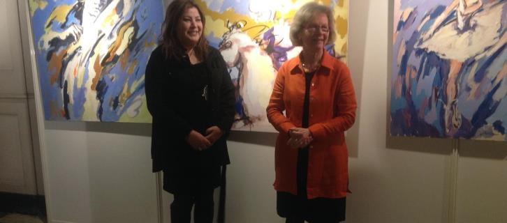 الرسامة المغربية ربيعة الشاهد تشارك في معرض تشكيلي في فرنسا