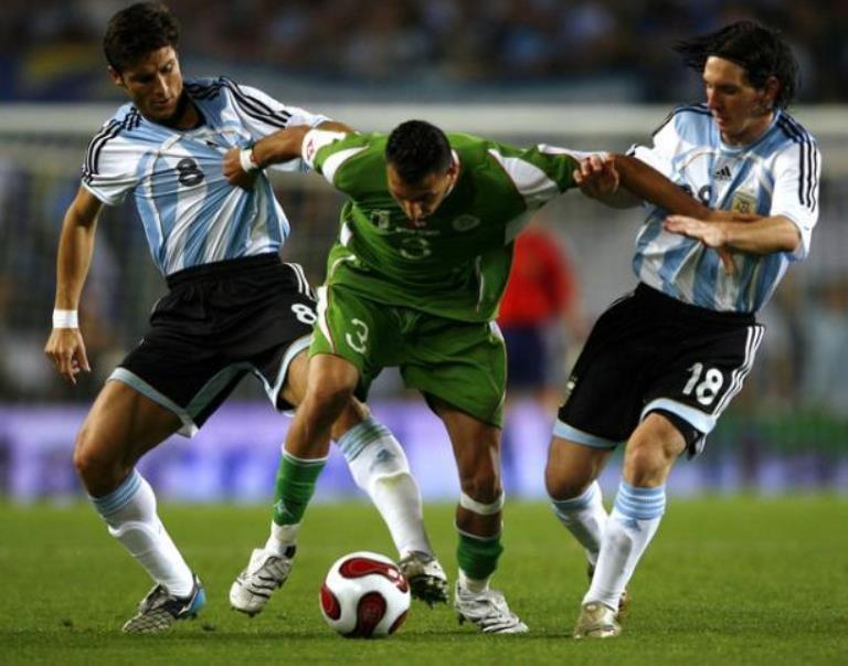 المنتخب الجزائري يلعب مبارتين امام أرمينيا ورومانيا قبل السفر إلى المونديال