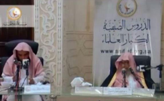 شيخ سعودي : لا يجوز للمرأة قيادة السيارة لأنها قد تذهب لعشيقها في أي وقت