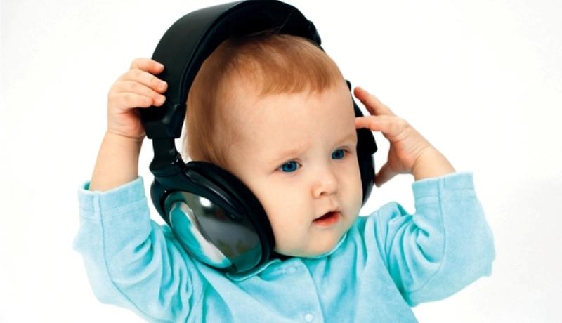 الموسيقى تضعف حاسة السمع لدى الطفل