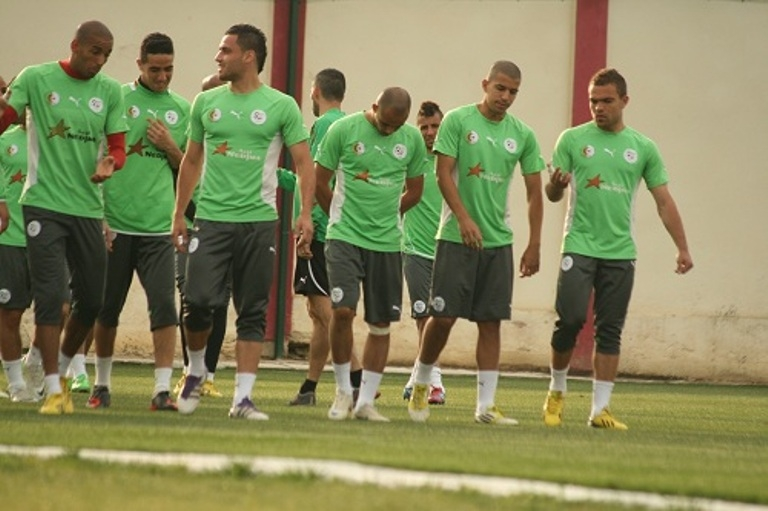 7 لاعبين محترفين يصلون للجزائر للالتحاق  بتربص الخضر