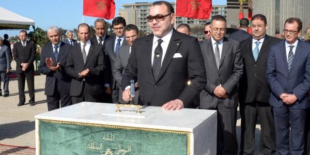 العاهل المغربي يعطي انطلاقة مشاريع تروم مصالحة طنجة مع تاريخها الثقافي