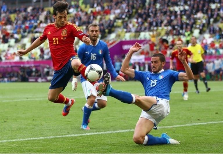 60  مباراة ودية استعدادا لكأس العالم : اسبانيا تقابل ايطاليا و البرازيل أمام جنوب افريقيا