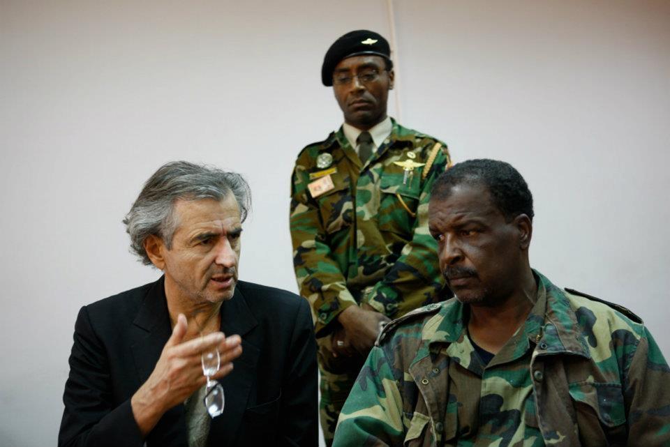 ليبيا: إطلاق سراح نجل ونيس بوخمادة آمر القوات الخاصة بالجيش