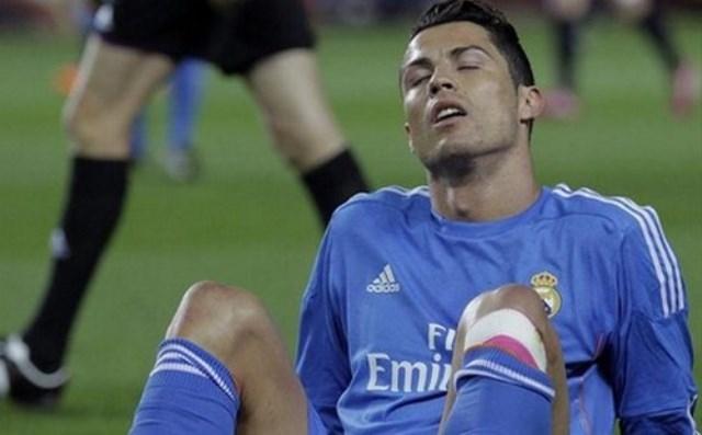رونالدو يصر على اللعب أساسيا رغم الإصابة