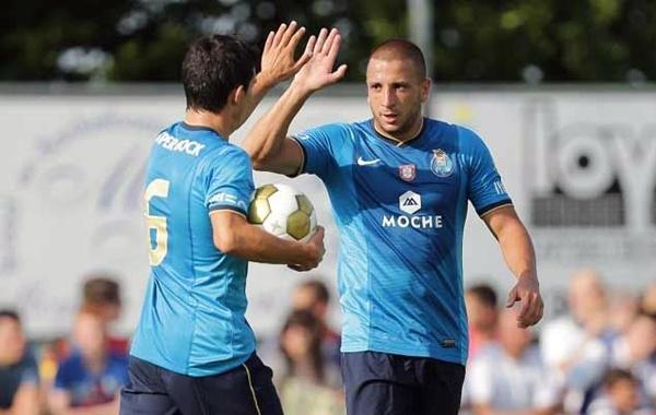 الجزائري غيلاس يقود بورطو نحو دور ربع الدوري الأوروبي