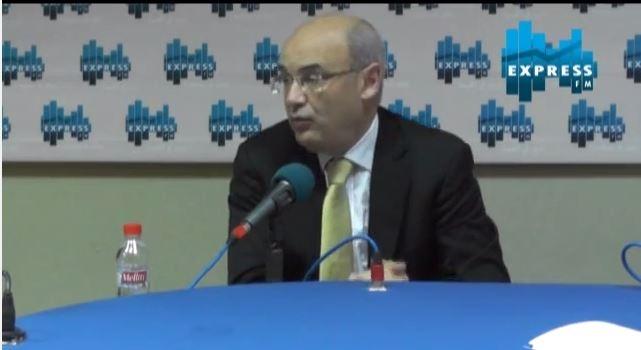 حكيم بن حمودة يحلّل الوضع الإقتصادي في تونس