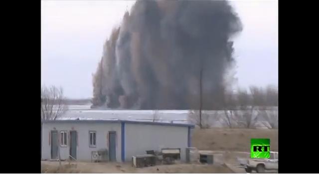 قصف كتل ثلجية لتجنب خطر الفياضانات