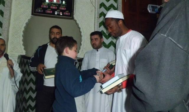 لاعب وفاق سيطف الجزائري زي أوندو يعتنق الإسلام