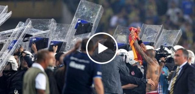 أعمال شغب في مباراة بتركيا