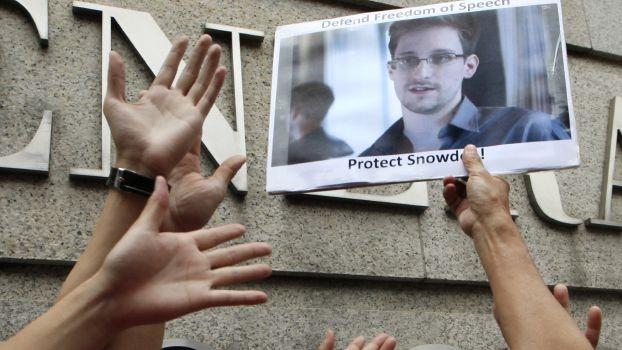 سنودن: وكالة الأمن القومي الأميركية تشعل النار في مستقبل الإنترنت