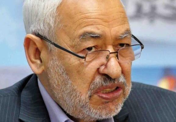 الشيخ السلفي الفيزازي المعتقل سابقا يلقي خطبة الجمعة بحضور العاهل المغربي