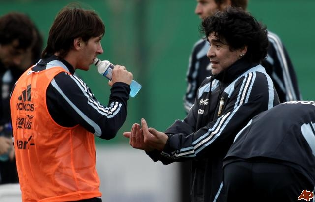 مارادونا : سأعمل مساعدا لجوارديولا إذا انضم ميسي إلى البايرن