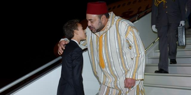 العاهل المغربي  يعود إلى الرباط بعد  جولة إفريقية عبر أربع دول