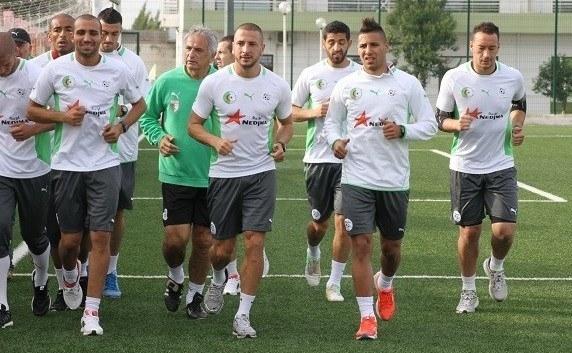 حليلوزيتش يقيم تربص خاصا للاعبين المحليين في المنتخب الجزائري