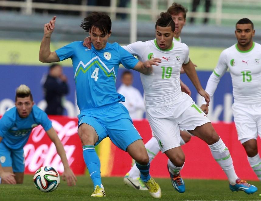 المنتخب الجزائري ينتصر على سلوفينيا بهدفين بحضور الأسطورة البرازيلي بيليه