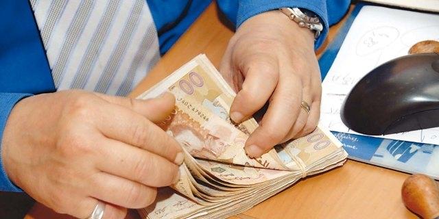 إيقاف طالبة مغربية بتهمة تزوير 400 ألف درهم