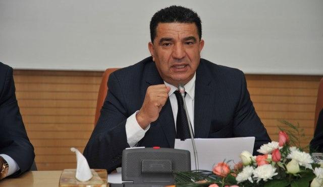 وزير مغربي يمنح موظفيه عطلة مدفوعة الأجر  لحضور مهرجان الفرس