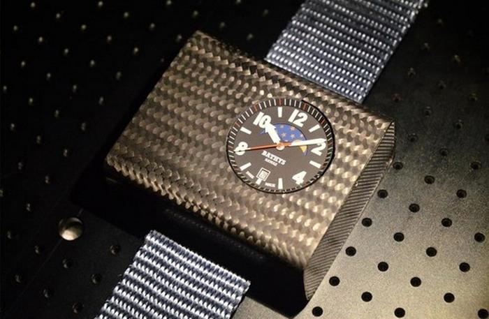 ساعة يد ذرية... للأثرياء فقط