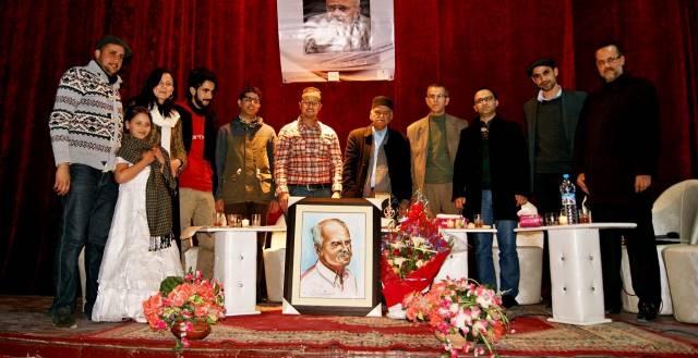 الشاعر المغربي عبد الكريم الطبال يسافر في تاريخ