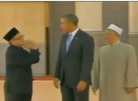 أوباما لإمام ماليزي: ادعُ لي لوقف اضطهاد المسلمين