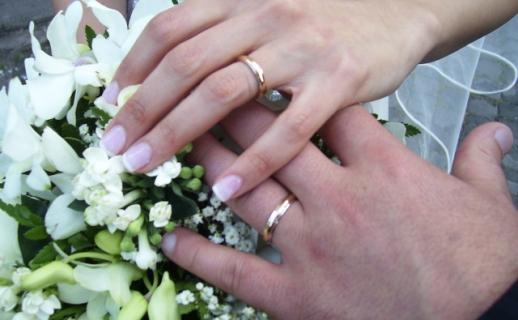 بشرى.. الزواج يقي من أمراض القلب